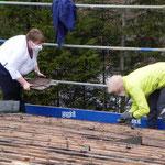 Dachaufstockung 2012, Ziegel abdecken