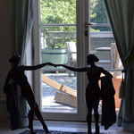 Potsdam: Bronzefigur PLAISIER an Indoor-Pool