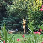 Schorndorf/Stuttgart: Große Bronzefigur AURORA