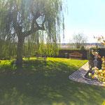 Heidesee/Brandenburg: Idyller Garten mit Bank SISSINGHURST auf herrlichem Seegrundstück.