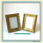 Marco barroco dorado pequeño / REF: MAR-017 / 15x20 cms./ 2 unidades / Arriendo: $ 1.500 c/u / Garantía: $ 5.000