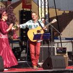 Beim diesjährigen Werdertag des Baumblütenfestes sang ich für Tamara, der neuen Blütenkönigin.