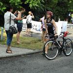 Isabel geht auf die Radstrecke