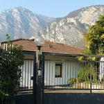 Das Haus in dem wir unsere Ferienwohnung in Riva del Garda hatten ...