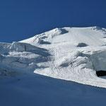 """Das """"Gletscherauge"""" bei blauem Himmel ..."""