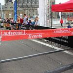 Bald schon wird die erste Frau über die 5-Kilometer-Strecke erwartet ...