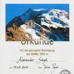 So eine schöne Urkunde für eine Gipfelbesteigung haben wir das erste Mal bekommen ...