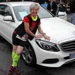 Ich kam mit meinem weißen Mercedes :-)) ...