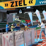 Der erste Marathoni im Ziel ...