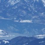 Die Spiegelung der Berge im See ...