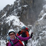 Der frische Schnee macht das klettern schwierig ...
