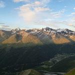 Letzte Sonnenstrahlen auf den Gipfeln ...