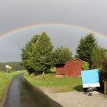 Kleinwendern samt Hühnerstall unterm Regenbogen