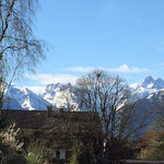 Blick im April 2015 vom Balkon auf die Alpen