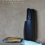 Fourreau de couteau a dépecer