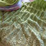 Mamma Mia / aus Cotton King Twirl, 100% Baumwolle; kleines doppelt gelegtes Dreiecktuch, auf beiden Seiten tragbar
