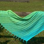 Feanor grün-blau / mit angestrickten Fransen seitlich - aus 4-fach Farbverlaufgarn von Traumverlauf (50% BW, 50% Polyacryl), Grösse 190 x 65-70 cm