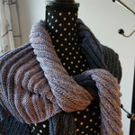 Infinity Jeans / Dreiecktuch Infinity, Zauberbobbel von SueArt, 4-fach, 50%BW / 50% Polyacryl Grösse ca. 160 x 80 cm