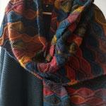 18 - Autumn Palette - aus 80% Wolle und 20% Seide (Louisa Harding Amitola) - ein 400 gr schwerer Traum, kuschelig und warm; als Schal oder Stola