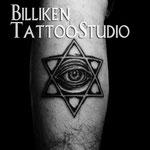 ヘキサグラムに瞳のタトゥー