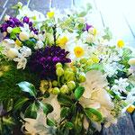 季節のお花スイセンをたっぷり使って 3,500円
