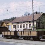 Zwei L-Wagen warten in Matzingen auf Arbeit