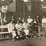 Die Tennisabteilung auf ihrer Anlage hinter dem Karlsbergsaal (um 1930).