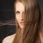 Der fertige Flyer von Lisa Ott für HAARE+mehr Katharina Ebner