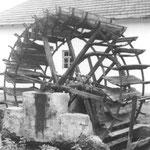 Ein historisches Mühlrad