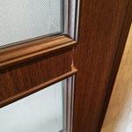 リビング ドアの傷