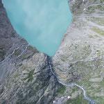 Triftgletschersee, Triftbrücke überspannt die zwei Talseiten