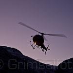Ecureuil H125 (AS 350 B3) kurz nach Sonnenaufgang im Anflug