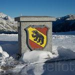 Pass Grenzstein, hier beginnt der Kanton Bern