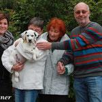 Lynn, Denise, Oma und Jerry werden Timon ein tolles Zuhause in Belveaux, Luxemburg bieten