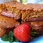 Erdbeer-Joghurt-Küchlein mit weißer Schokolade