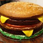 XXXL-Hamburger-Torte