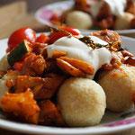 Bulgur-Klößchen mit Gemüse