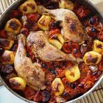 Hähnchen mit Tomaten und Kolbasz