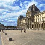 Beim Louvre in Paris.