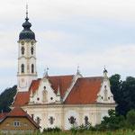 Die dörfliche Barockkirche von Steinhausen gilt als schönste ihrer Art.