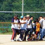 Seilziehen ist in Japan an Schulen und bei Volksfesten beliebt.