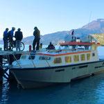 Die Motorbootfähre nach Candelario Mancillo nimmt nur Wanderer und Radfahrer mit.