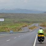 Nach Sivas wird die Landschaft karger.