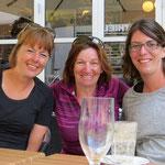 Nette Begegnung mit Linda und Andrea in Köbe.