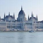 Das Parlamentsgebäude von Budapest, eines der Wahrzeichen der Stadt.