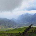 Wir lassen uns immer wieder von der prächtigen Bergwelt der Anden verzaubern.
