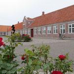 Auf Fanö gibt es viele schöne Gebäude, fast wie in einem Museum.
