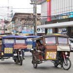 Die Tricycles sind breiter als auf Bohol, was das Sitzen viel bequemer macht.