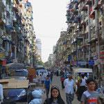 Yangon ist für uns eine laute Stadt ohne spezielles Flair.