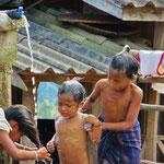 Fliessendes Wasser gibt es meist nur am Brunnen mitten im Dorf.